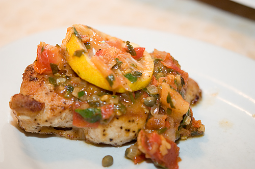 Chicken with Tomatoes, Capers & Lemon