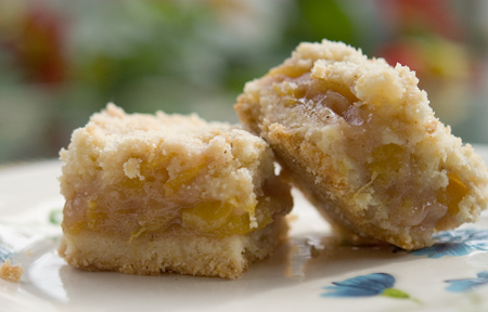 Peachy Crumb Bars