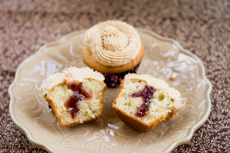 Banana PB&amp;J Cupcakes