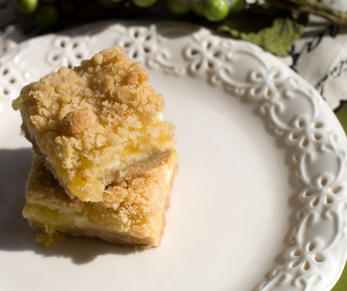 PIneapple Sour Cream Crumb Bars | afoodieaffair.com