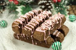 Chocolate Espresso Biscotti with Peppermint Drizzle | afoodieaffair.com
