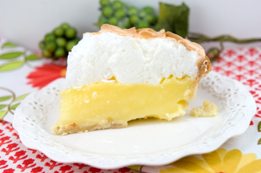 Lemon Meringue Pie | afoodieaffair.com