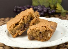 Chewy Chocolate Chip & Pecan Bars | afoodieaffair.com