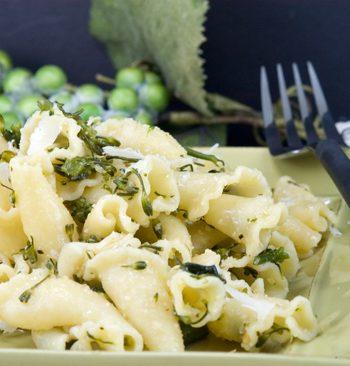 Pasta Aglio Olio with Broccoli Rabe | afoodieaffair.com